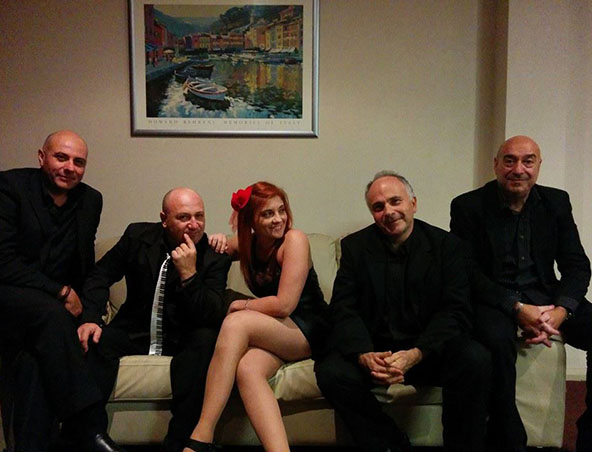 Gabriellas Vibe Perth Duo - Italian Music Singer - Bands
