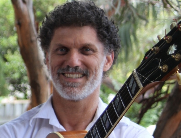 Glenn Rogers Classical Guitarist Perth