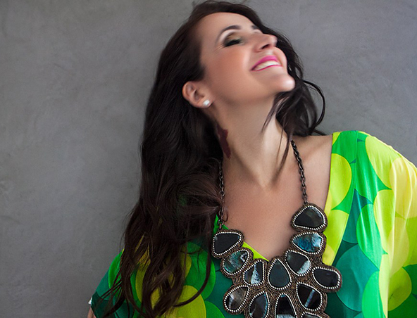 Juliana Areias Perth Singer - Brazilian Bands - Entertainers