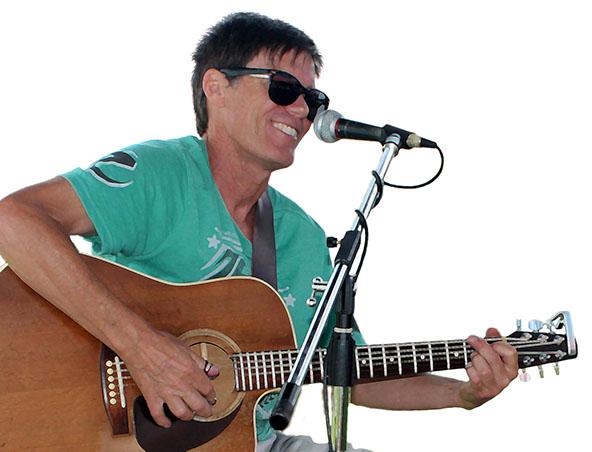 Kim Mainwright Guitarist Singer Perth - Musicia
