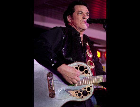 Neil Diamond Tribute Show Perth - Tribute Bands - Impersonators Musicians